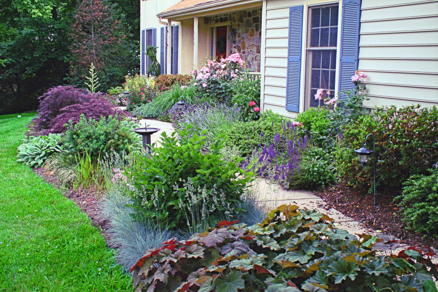 Landscaping Around Home Foundation : Front yard landscaping photos creative landscapes